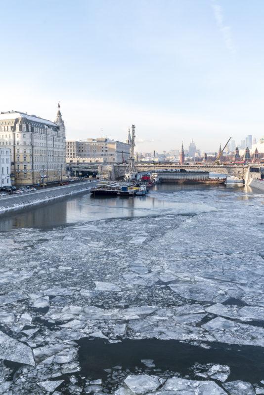 Eis im Fluss