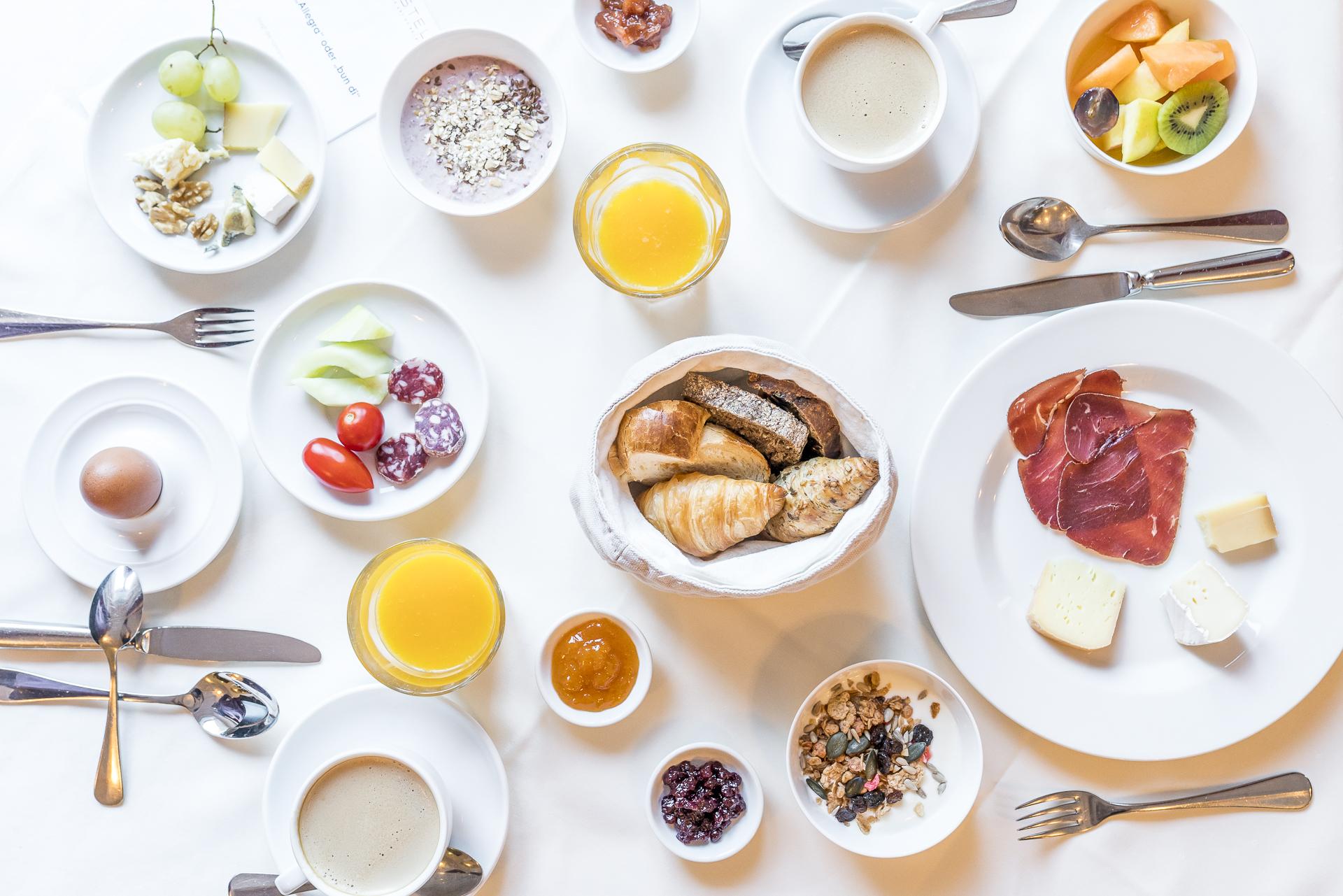 Hotel Castell Zuoz Frühstück