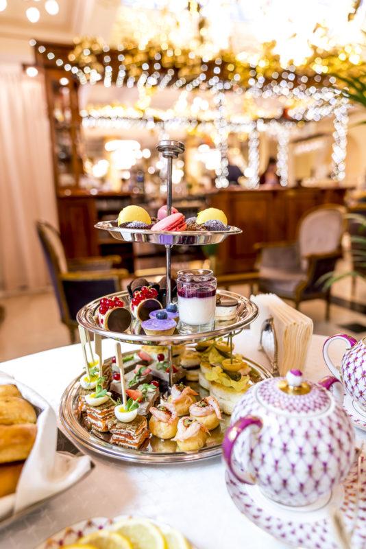 Tea Time Moskau mit Etagere