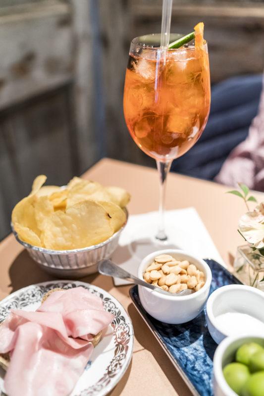 Aperitivo Mon Cafe Modena