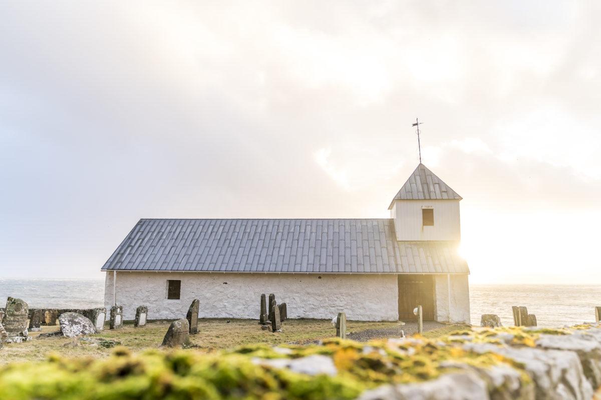 Kirkjubor Kirche