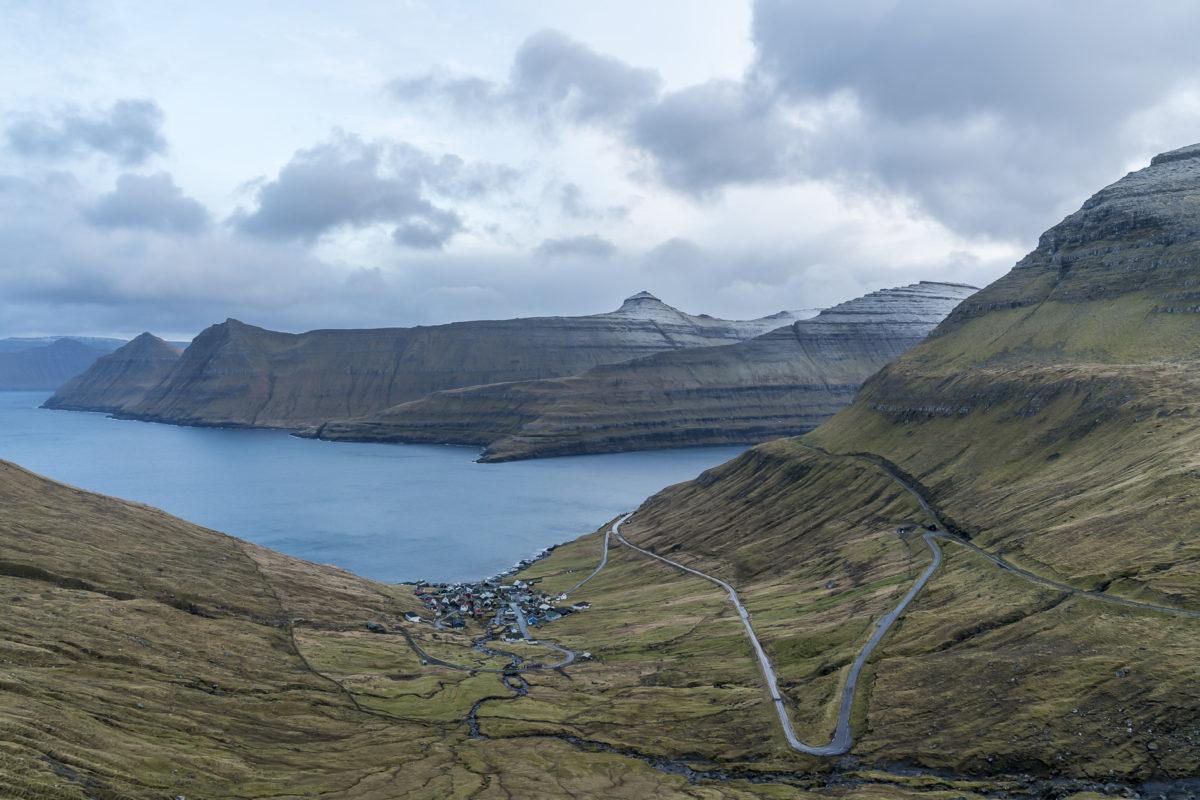 Bergstrase Färöer-Inseln
