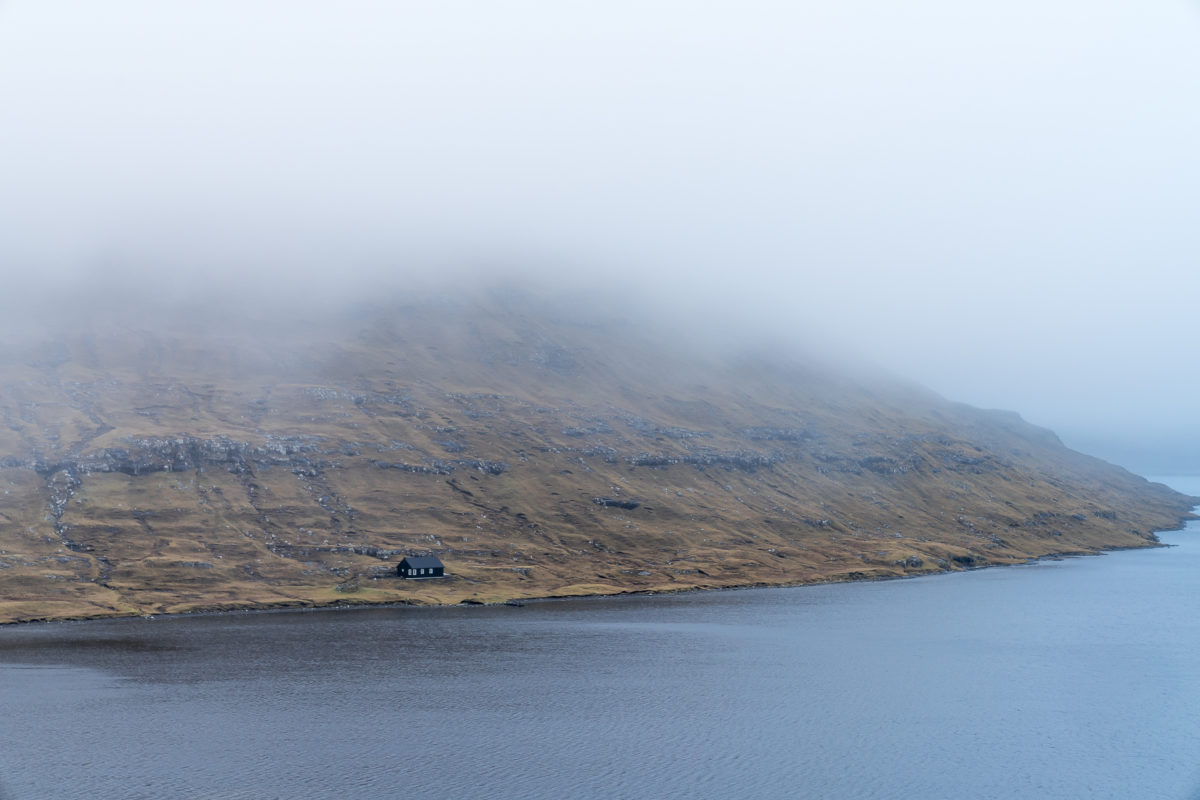 Fjord Färöer-Inseln