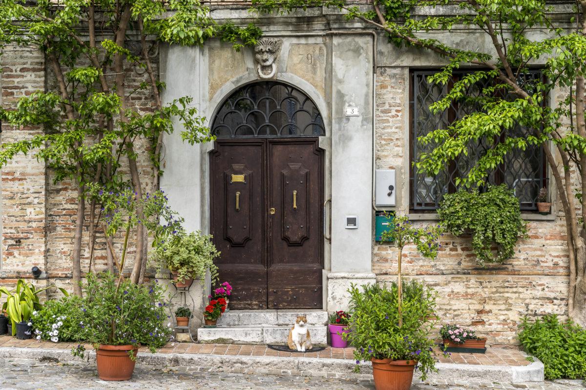 Corinaldo schöne Tür