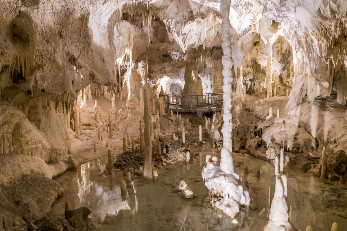 Höhlen von Frassasi Marken