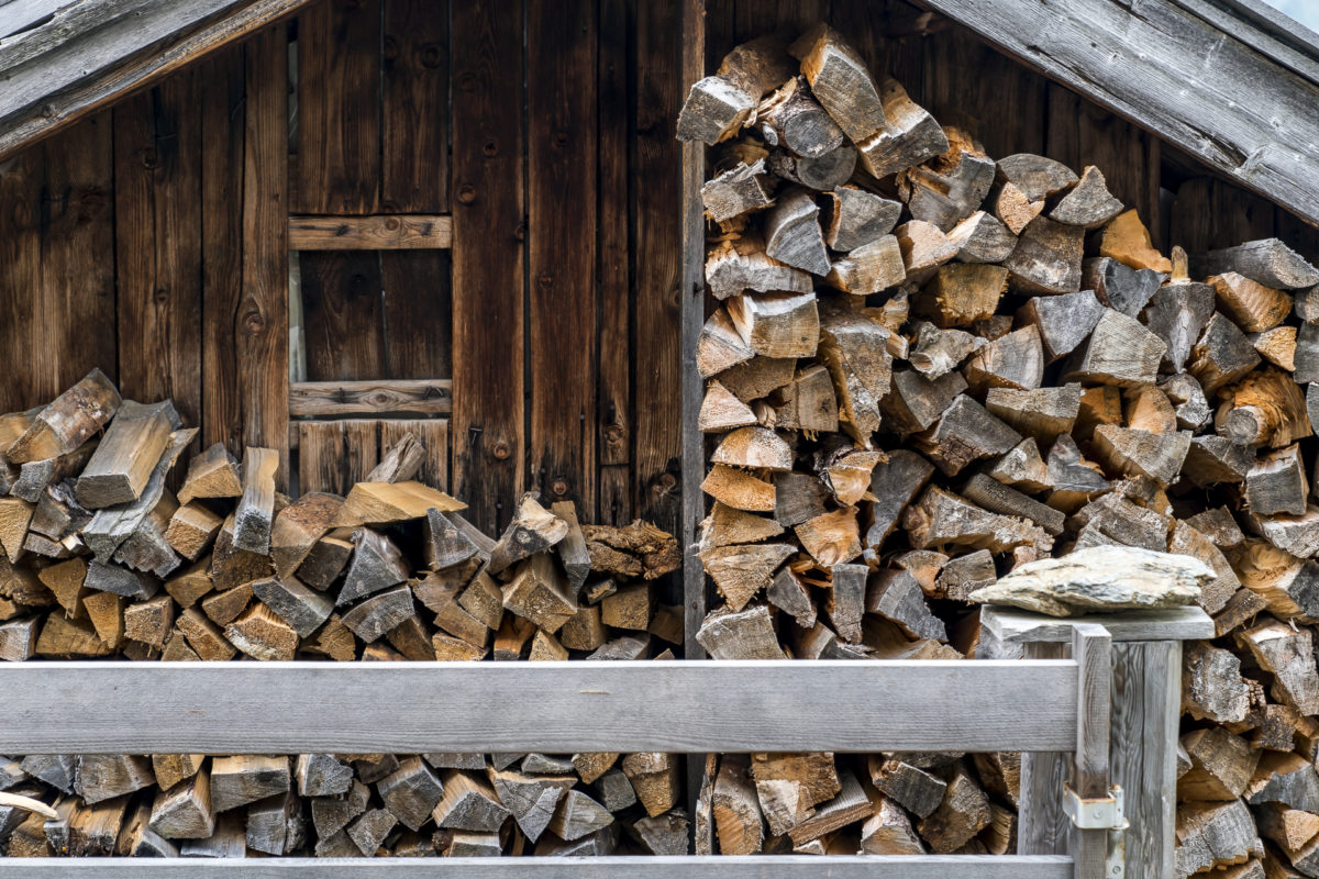 Holz Aussermelang Alm