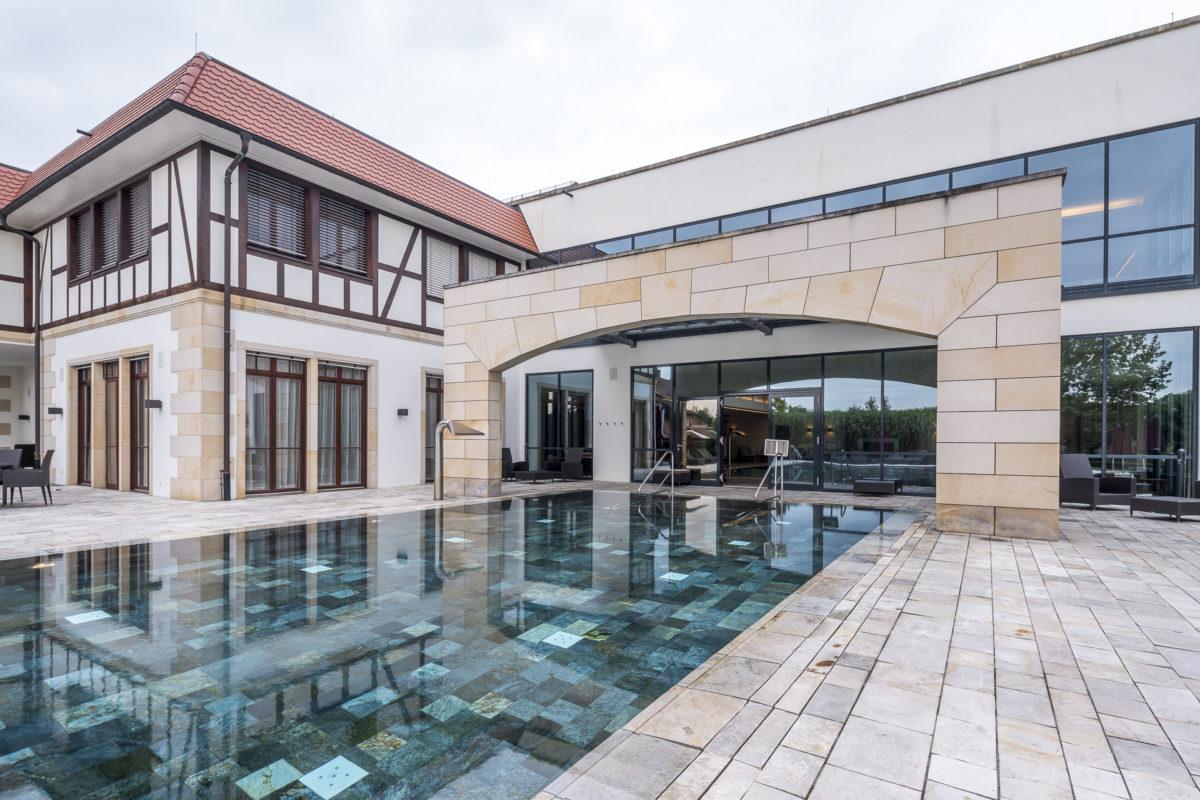 Schlosshotel Friedrichsruhe Spa Aussenbereich