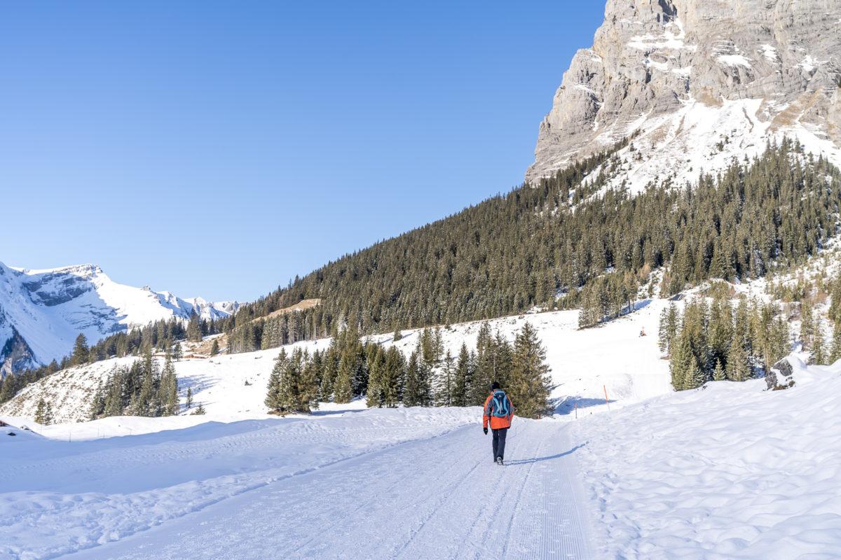 Winterwanderung Oeschinensee Bergstation