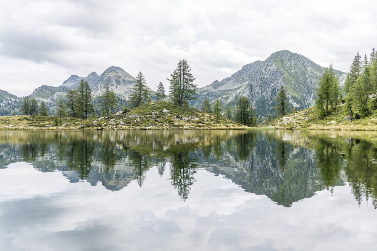 Lago dei Pozzöi Spiegelung
