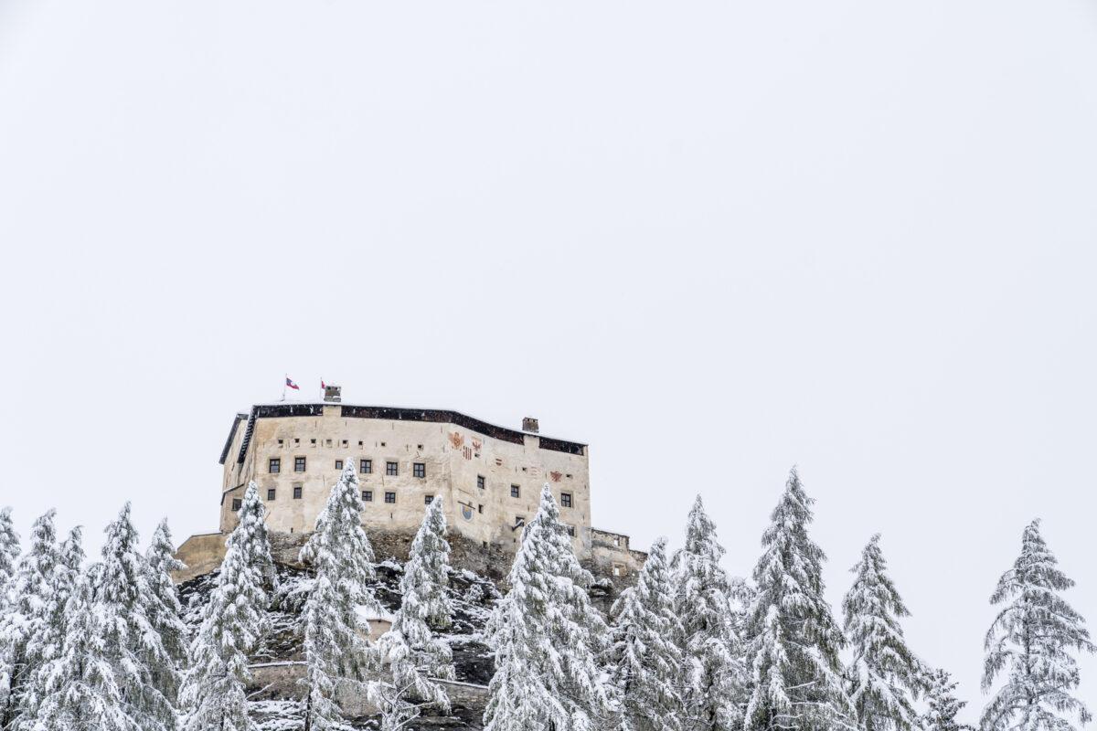 Schloss Tarasp Engadin