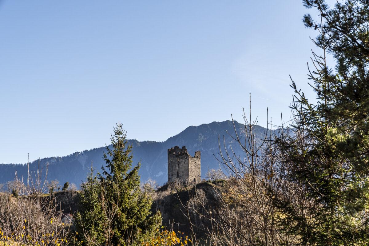 Schlossweg Burguine
