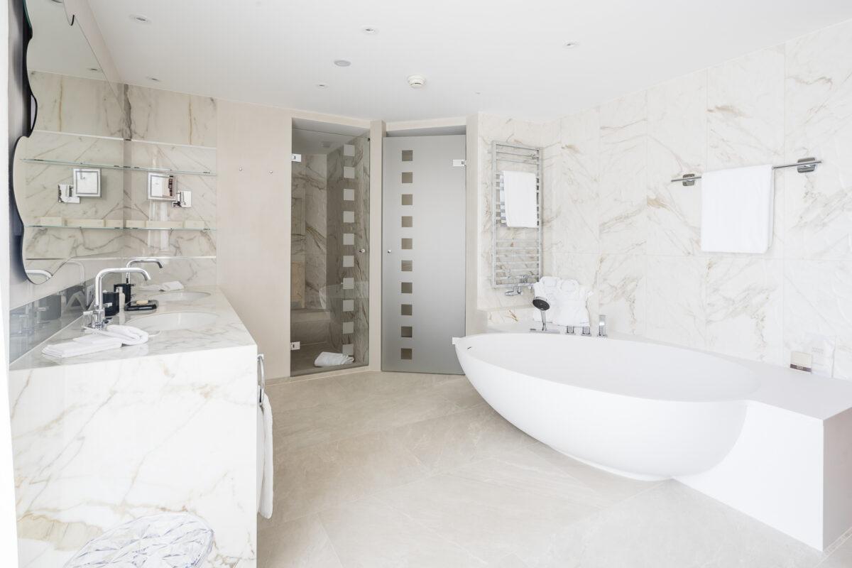 Eden Roc Ascona Comfort Suite Badezimmer