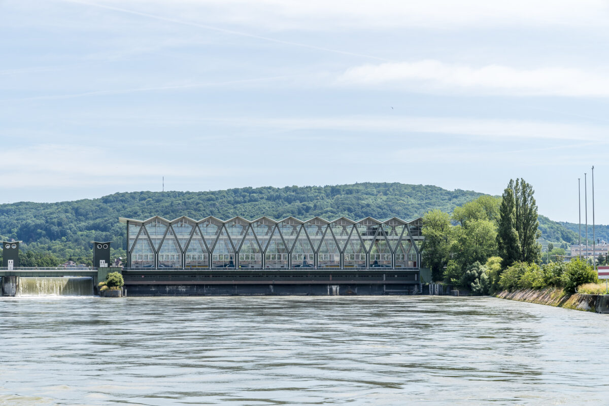 Basel Rhein Schwelle