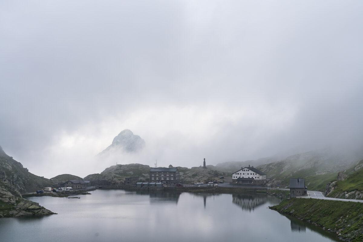 Gd-Saint-Bernard im Nebel