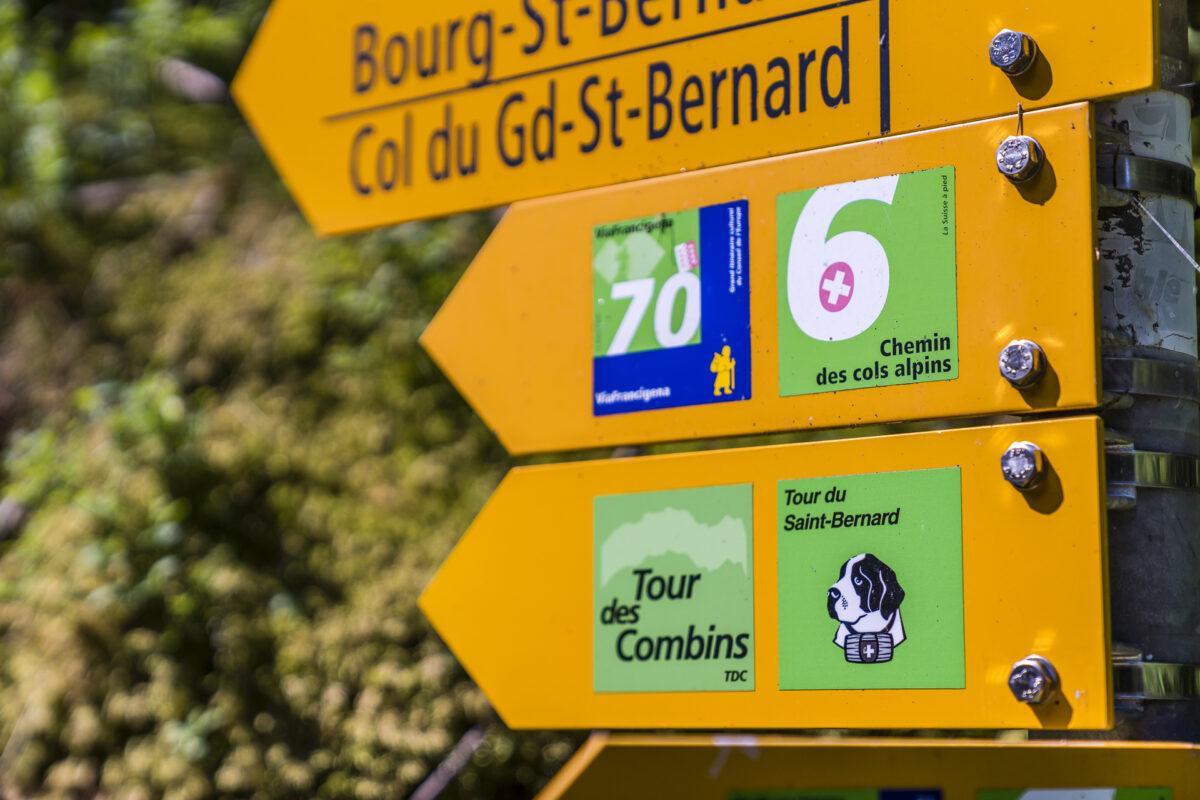 Wegweiser Tour du Saint-Bernard