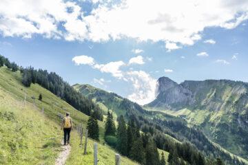 Sagenhaft schöne Panorama Höhenwanderung vom Gurnigel aufs Stockhorn