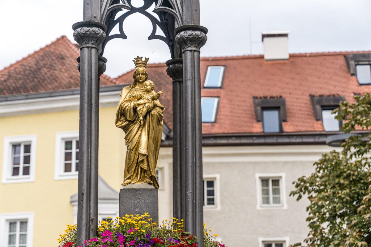 Kufstein Altstadt Madonna